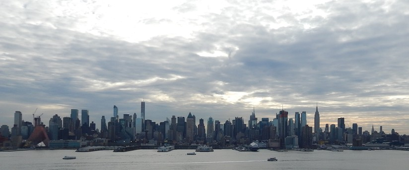 Manhattan from 69th to 16th Streets as seen from Weehawken, New Jersey (January 2015)
