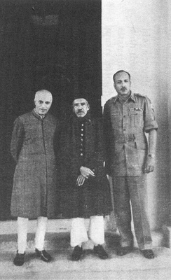 (From left to right): Prime Minister Jawaharlal Nehru, Nizam VII and Jayanto Nath Chaudhuri after Hyderabad's accession to India