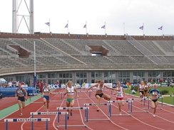 A women's 400 m hurdles race at the 2007 Dutch Championships