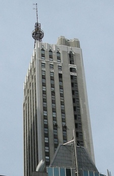 The DuMont Building at 515 Madison Avenue in New York, with the original WABD broadcast tower still standing, 2008.
