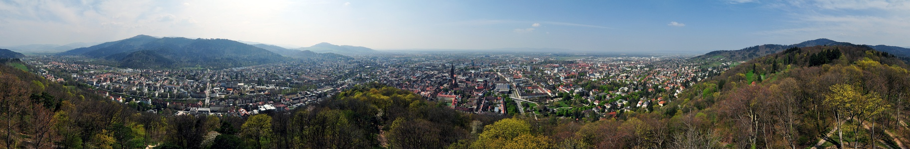 Panoramic view of Freiburg, seen from Schlossberg, Freiburg Münster can be seen in the center.
