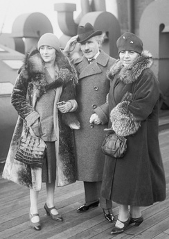 Toscanini with his wife and daughter Wally