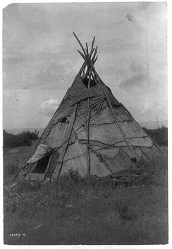 Yakama tipi, by Edward Curtis, 1910