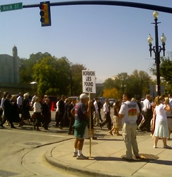 Protesters outside the site of the LDS general conference in 2006.