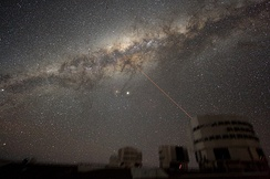 An accurate view of the Milky Way was used to replace Rose's view of the moonless night sky at sea, as in this photo from Paranal Observatory. The view was adjusted to match the North Atlantic at 4:20 am on April 15, 1912.