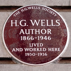 Plaque by the H. G. Wells Society at Chiltern Court, Baker Street in the City of Westminster, London, where Wells lived between 1930 and 1936
