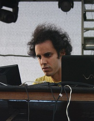 Four Tet performing in 2011 in Los Angeles, California