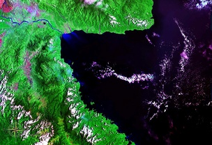 Huon Gulf seen from space (false color)