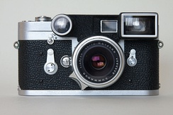 The Leica M3 with the Summaron 35 mm f/2.8 with its googles, from 1958