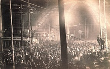 The mob-style lynching of Will James in Cairo, Illinois, on November 11, 1909. A crowd of ten thousand watched the lynching.[49][self-published source]