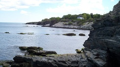 Shoreline of the Easton Bay looking south from cliffside at east end of Narragansett Ave.