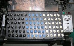 Linotype Keyboard; An after-market Star Quadder attachment (selectively off, flush-right, -center or -left) is to its immediate right