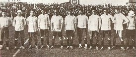"Racing won its 8th title in 1921 playing in the dissident ""Asociación Amateurs"""
