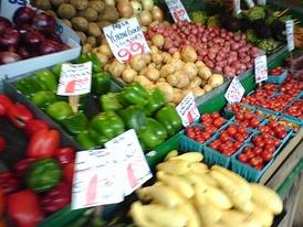 Средиземноморскую кухню отличает обилие свежих овощей и фруктов