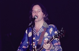Eric Stewart performing live in Oslo, April 1976