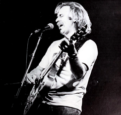 Buffett performs at Clemson University in 1977