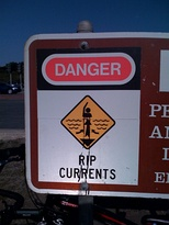 A Rip Current warning sign