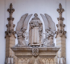 Statue of Nuno Álvares Pereira atop the portal of Santo Condestável church, Lisbon