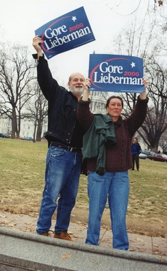 Supporters for the Gore-Lieberman ticket