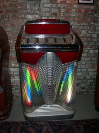 A jukebox of 1948Filben FP-300 Maestro78 rpm