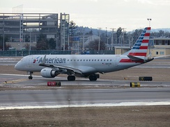 American Airlines E190 at MHT