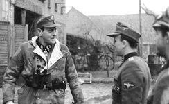 Skorzeny in Pomerania visiting the 500th SS Parachute Battalion, February 1945.
