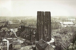 Wartime destruction around the Cathedral, 1945