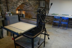 Cylinder press for printing etchings