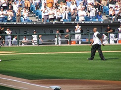 Frank Thomas throws out the ceremonial first pitch of the 2005 ALDS between the White Sox and Red Sox.