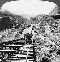 Construction work on the Gaillard Cut is shown in this photograph from 1907.