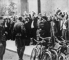 Łapanka – Polish civilian hostages captured by German soldiers on the street, September 1939