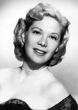 Singer/actress Dinah Shore (BA, 1938)