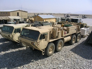 HEMTT M984A2 wreckers with standard unarmored cab