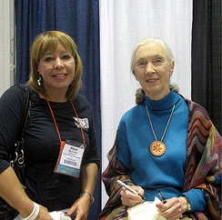Goodall with Allyson Reed of Skulls Unlimited International, at the Association of Zoos and Aquariums annual conference, 9, 2009.