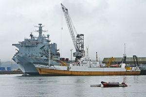 RFA Argus and Odyssey Explorer in Falmouth Docks on 2009-08-14.jpg