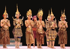The Royal Ballet of Cambodia (Paris, France 2010)