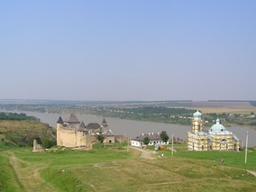 The Dniester in Khotyn (western Ukraine). Another Moldavian fortress and an Orthodox church seen on foreground.