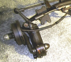 Front right suspension unit (forward direction to the bottom right)
