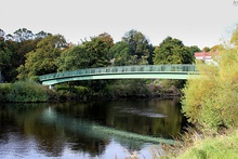 Footbridge spanning the River Wharfe (geograph 4702243).jpg