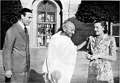 Gandhi in 1947, with Lord Louis Mountbatten, Britain's last Viceroy of India, and his wife Vicereine Edwina Mountbatten.