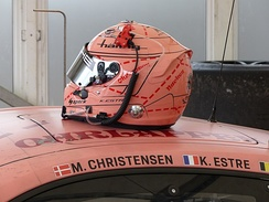 Kévin Estre painted his helmet in the same colours as the Porsche he drove at the 2018 Le Mans 24 hours.  The car was in turn painted in honour of the Pink Pig Porsche 917, which raced at the Le Mans race in 1971, and which had a similar porcine hue.