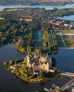 Tourism in Germany (Schwerin Palace)
