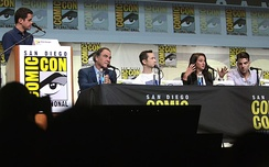 The cast of Snowden speaking at the 2016 San Diego Comic-Con International in San Diego, California.