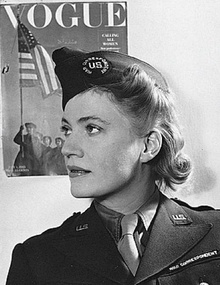 David E Scherman- Lee Miller 1944.jpg
