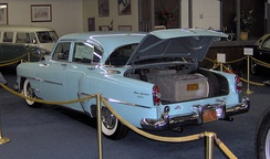 Hughes had this 1954 Chrysler New Yorker equipped with an aircraft-grade air filtration system that took up the entire trunk.