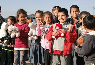 Defend International provided humanitarian aid to Yazidi refugees in Iraqi Kurdistan in December 2014.