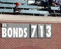A sign counts up to Barry Bonds's 714th home run