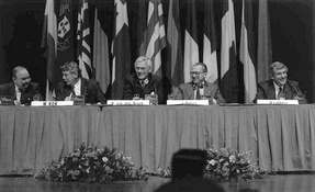 Press conference with Dutch ministers Wim Kok, Hans van den Broek and Ruud Lubbers, after the European Council of 9-10 December 1991 in Maastricht, which led to the Maastricht Treaty (1992)