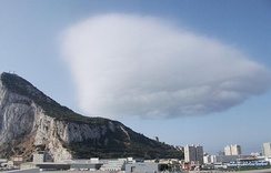 The Levanter cloud becoming detached from the crest of the Rock in strong easterly winds