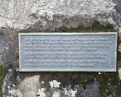 Plaque at the Delta House site (2007)